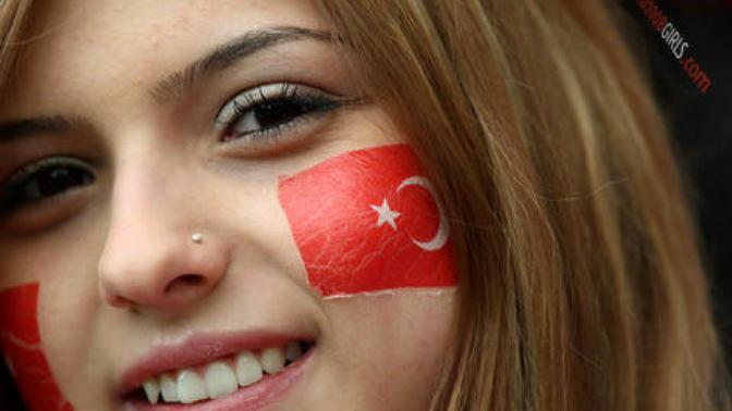 Hayat Eşimizi Türk Kızlarından Seçmek için 8 Haklı Neden!