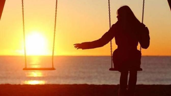 Etrafındaki Kalabalığa Rağmen Kendini Yalnız Hissedenlere Tavsiyeler Nelerdir?