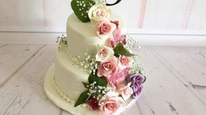 Şeker Hamurundan Çiçek Figürü Yapmanın İncelikleri Nelerdir?