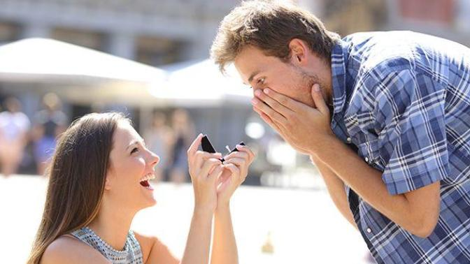 Evlilik Teklifini Kadınlar Etseydi Nasıl Olurdu?