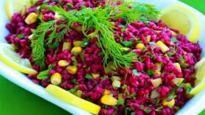 Rengi İle Dikkat Çeken Lezzet! Şalgamlı Bulgur Salatası Nasıl Yapılır?
