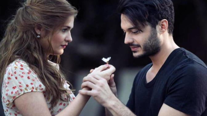 Türkiye'de Sadece Yaptığı İş İle Anılan Top 10 Nadide Erkek Sanatçı!