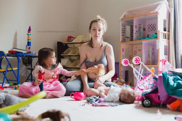 Anne Olmanın Sadece Mutlu Ettiğini Değil, Şıp Diye de Yaşlandırdığını Gösteren Anneler!