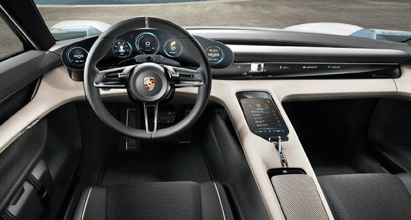 Porsche Yeni Elektrikli Aracına Türkçe 'Taycan' İsmini Verdi