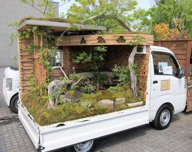 Japonlardan İlginç Fikir: Kamyon Kasasında Gezen Bahçeler