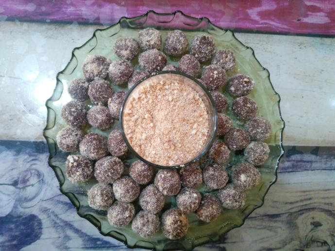 Pratik Lezzet Deposu: Kakaolu Bisküvi Topları Nasıl Yapılır?