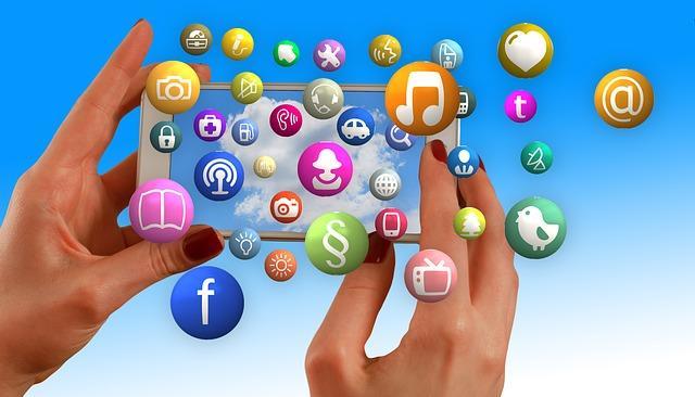 Sosyal Medya Sitesi Kullanıcılarına Göre Karakter Tipleri