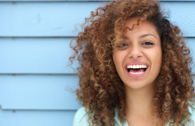 Dişlerinizi Beyazlatmadan Önce Bilmek İsteyeceğiniz Bilgiler