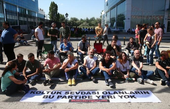 CHP'lilerin Başlattığı Oturma Eylemi Sona Erdi