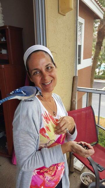 Buldukları Yavru Kuş, Kanserli Kadına Hayat Kaynağı Oldu