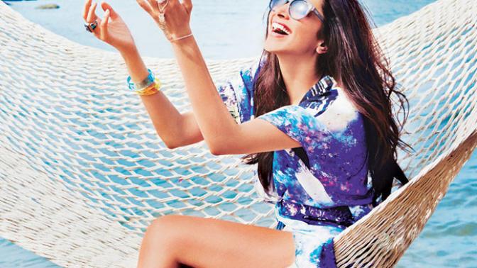 Yaz Güneşi Kadar Parlak Koyu Renk Saçlarınla Dikkat Çekmen İçin Süper Öneriler!