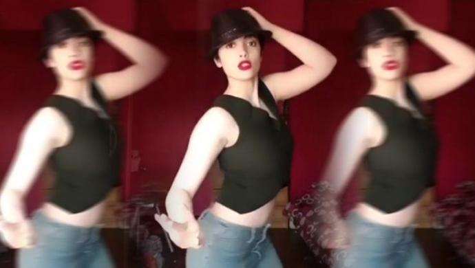 İranlı Instagram Fenomeni Kadın Dans Ettiği İçin Tutuklandı