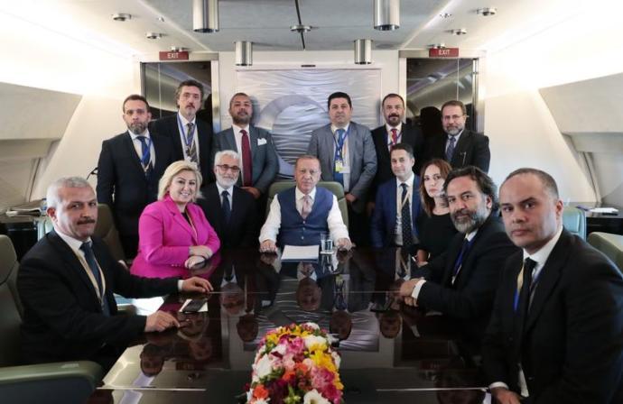 Erdoğan Bombaları Uçakta Patlattı