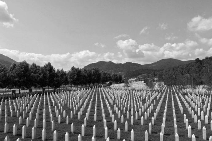 Bugün Boşnakların Kapanmayan Yarası Srebrenitsa Katliamının Yıl Dönümüydü