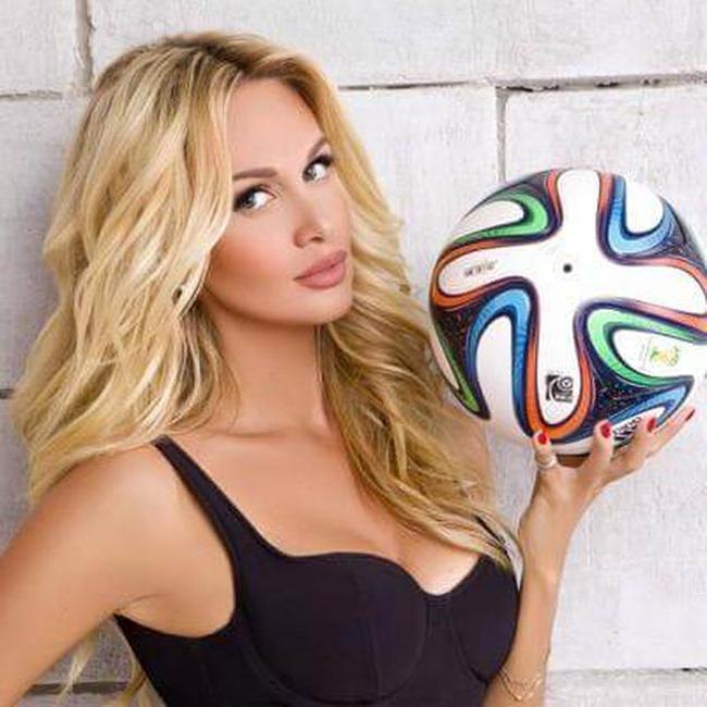 @lopyrevavika 2018 Dünya Kupası tanıtım yüzü