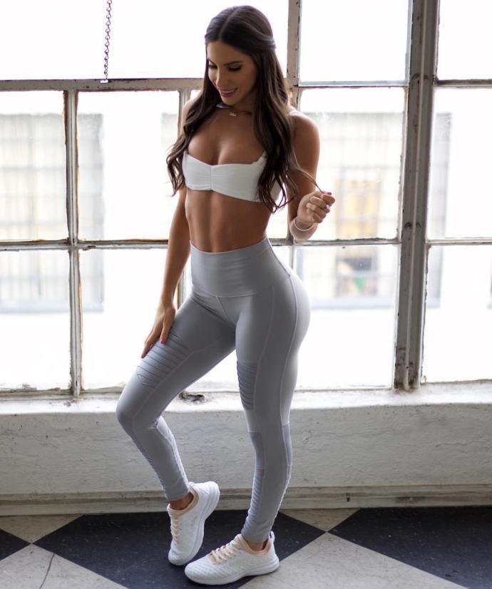 İşte Bunlar Hep Spor: Yoga Pantolonuyla Mükemmel Görünen En Taş 10 Ünlü Kadın