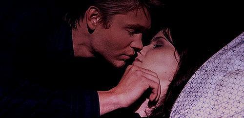 Oynadıkları Filmlerde Görüp Hayran Olduğumuz Ancak Gerçekte Birbirinden Hiç Hoşlanmayan Ünlü Çiftler!