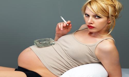 Hamilelikte Sigara İçip Bebeğini Zehirleme! Sigara İçmenin Bebeğinize Zararları Nelerdir?