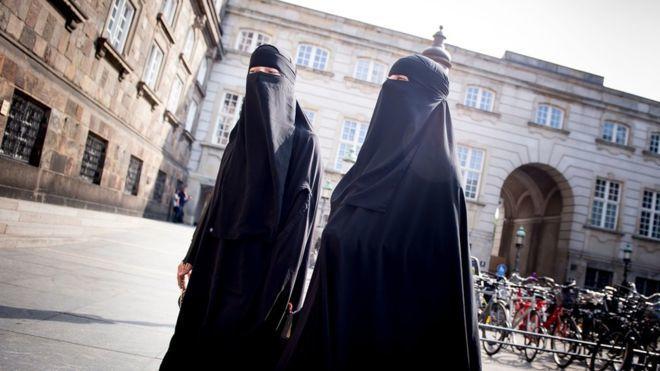 Danimarka Hükümeti Peçe Yasağını Yürürlüğe Soktu