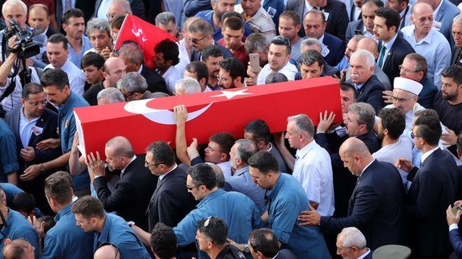 PKK, Astsubay Eşi Nurcan Karakaya ve 11 Aylık Bebeğinin Öldürülmesiyle İlgili Açıklama Yaptı