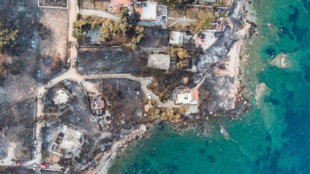 Yunanistan'da Meydana Gelen Yangın Faciası Sonrası Yunan Bakan İstifa Etti