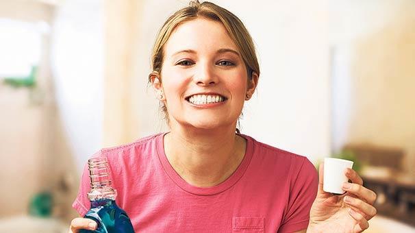Mükemmel Gülüş, Bembeyaz Dişler İçin Yapmanız Gereken Şeyler Nelerdir?