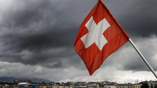 İsviçre'de El Sıkışmayı Reddeden Müslüman Çifte Vatandaşlık Verilmedi