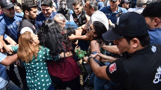Cumartesi Annelerinin 700. Hafta Buluşmasına Polis Müdahalesi