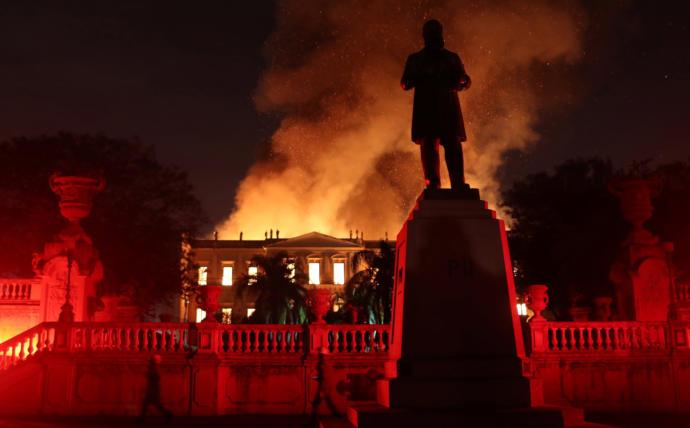 Brezilya Ulusal Müzesi'nde Dev Yangın: Çok Sayıda Sanat Eseri ve Tarihi Kalıntı Kül Oldu