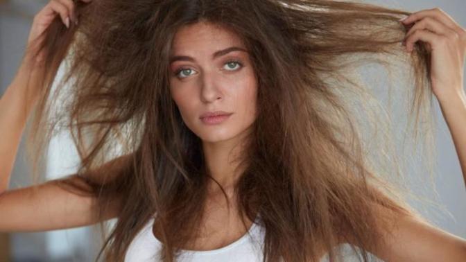 Saç Yıpranmasında Rol Oynayan Asıl Sebepler Nelerdir?