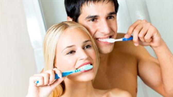 Ağız ve Diş Bakımında Kullanabileceğimiz Doğal Çözümler Nelerdir?