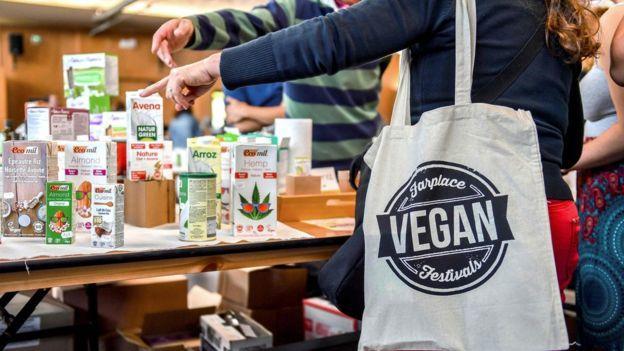 Fransa'da Vegan Aktivistler Kasaplara Saldırdı