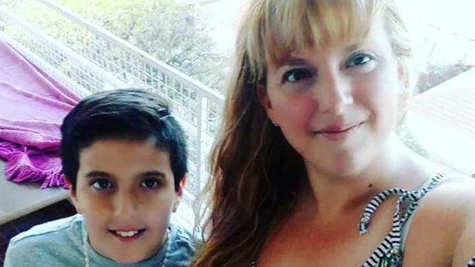 Arjantin'de Duygu Dolu Ulusal Kampanya: Annesini Kanserden Kaybeden 11 Yaşındaki Çocuğun Telefonu Aranıyor