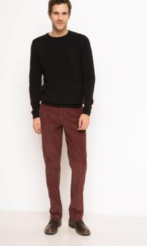 4. Sıcak çikolata tadında kadife pantolon ne de güzel olur boğazlı kazaklarınızla...