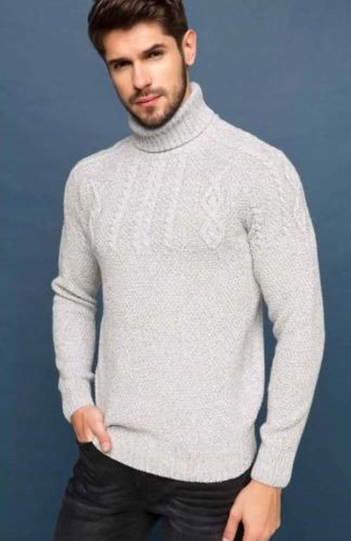 3. Açık renk bir kazak ve buz mavisi bir jean ile soğuyan havalarda güneş gibi ışıldarsınız.