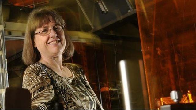 Nobel Fizik Ödülü 55 Yıl Aradan Sonra İlk Kez Bir Kadın Bilim İnsanına Verildi