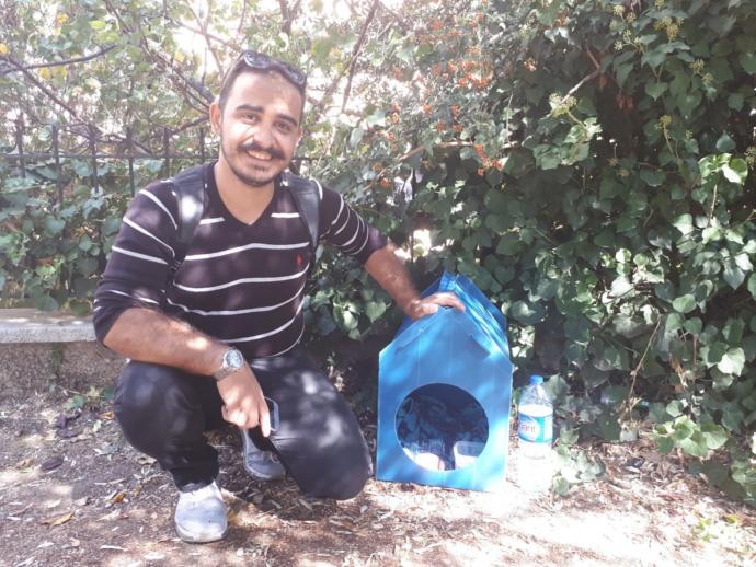 Sokak kedileri için su geçirmez kedi evi