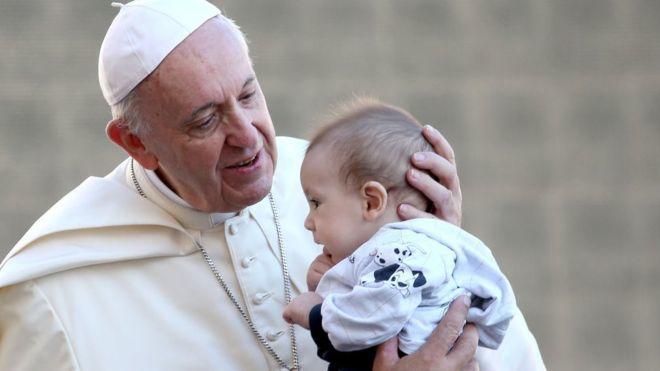 Papa'dan Kürtaja 'Kiralık Katil' Benzetmesi