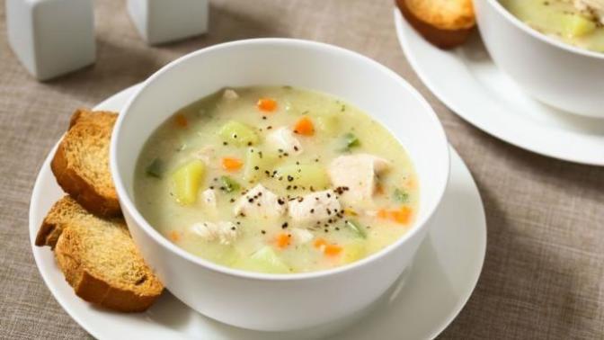 Vitamin Deposu, Hastalara Şifa Terbiyeli Sebzeli Tavuk Çorbası Nasıl Yapılır?