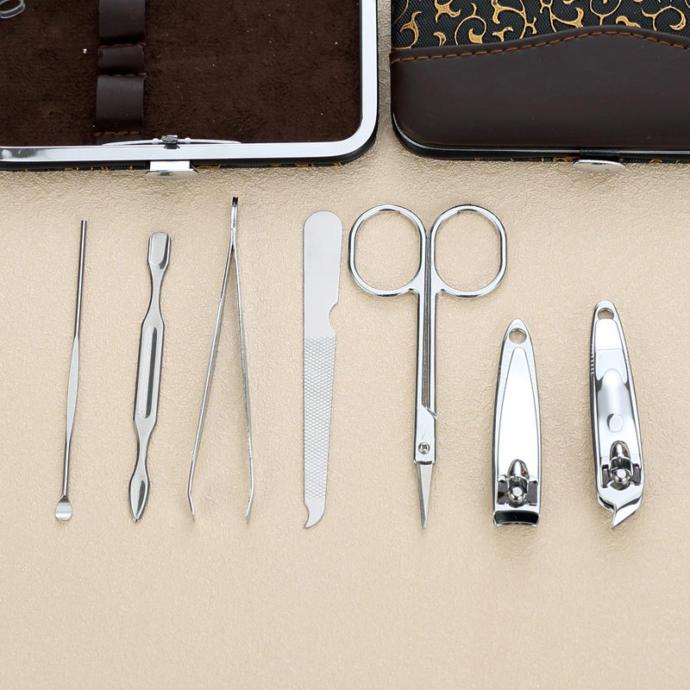 4) Tırnak temizliğinize dikkat edebilmek için Tırnak makası seti