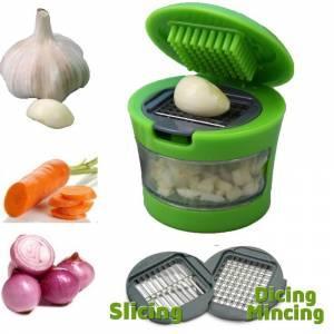 3.Sarımsak dışında soğan ve havuç gibi sebzeleri de doğramanıza yardımcı, hazneli kapaklı rende