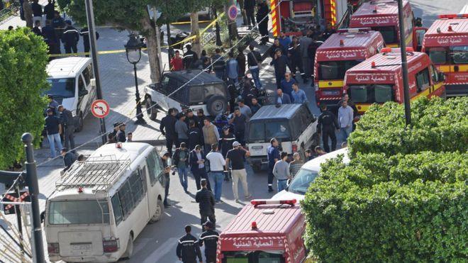 Başkent Tunus kana bulandı