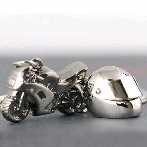 Her zaman yanında taşıyabileceği kask ve motosiklet şeklinde bir anahtarlığa ne dersiniz?