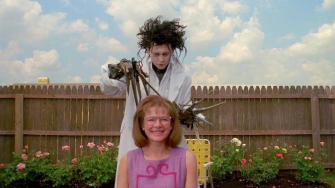 """Kuaföre Sadece Fön Çektirmeye Gidip """"Gelin Başı"""" Saçıyla Çıkan Kızların Aklında Dönüp Duran Kaos Düşünceler!"""