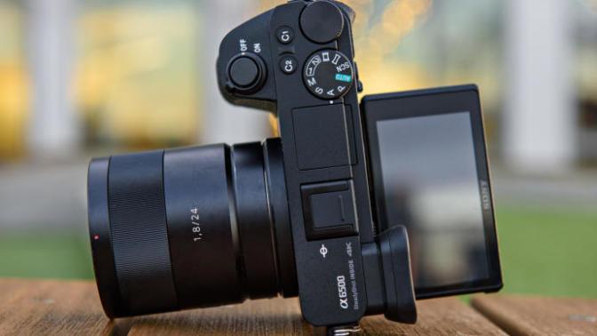 Geçen Senenin En Popüler Ürünü Sony A6500 Hala Alınır mı?