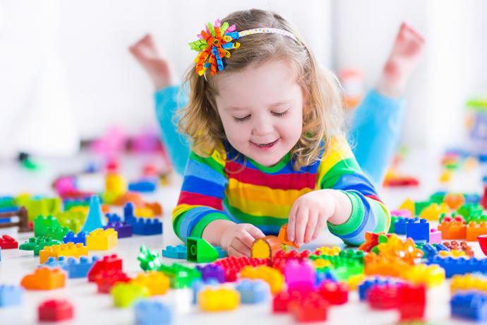 Bebekler ve çocuklar için oyuncak önerileri