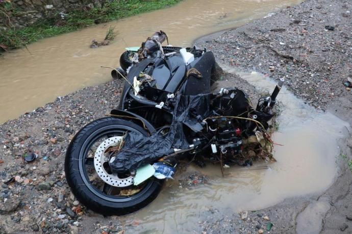 Büyük maddi hasarın meydana geldiği Bodrum'da birçok araç sele kapıldı