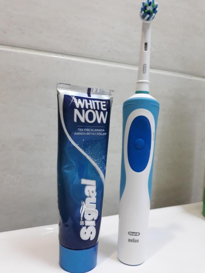 Dişlerinizi Bal Dök Yala Kıvamında Temizleyecek Oral-B Vitality'i Kullandım!