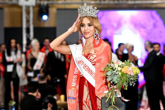 Best Model of Azerbaijan 2018 Yarışması'nın ikinciliği hak eden güzel modeli ise Cemile Goluboviç oldu.