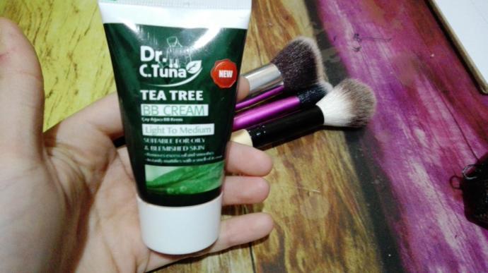 Farmasi çay ağacı yağı BB krem